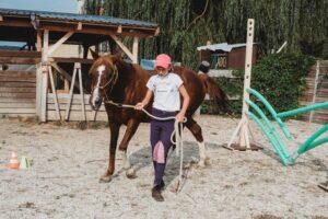 tábor kamaszoknak kamaszlány kihívás lóval